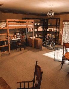 1920s-teenager-room